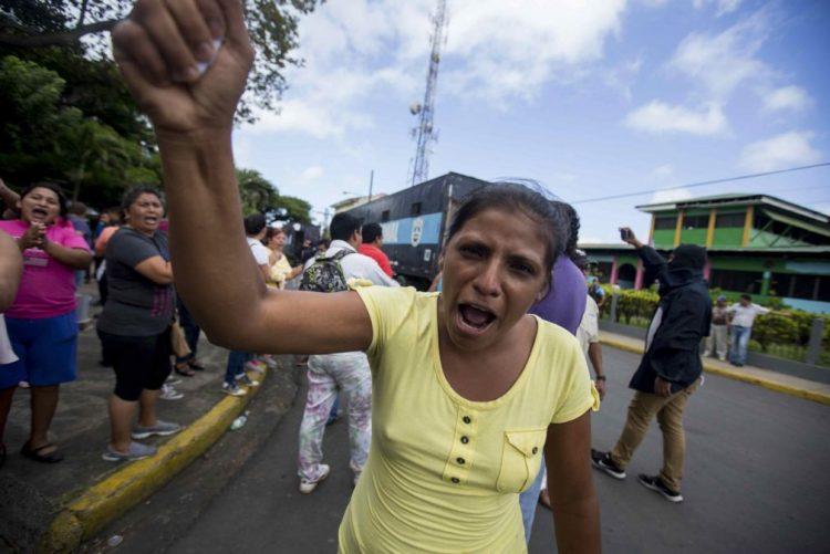 Bispos da Nicarágua suspendem diálogo nacional após agressão a padres