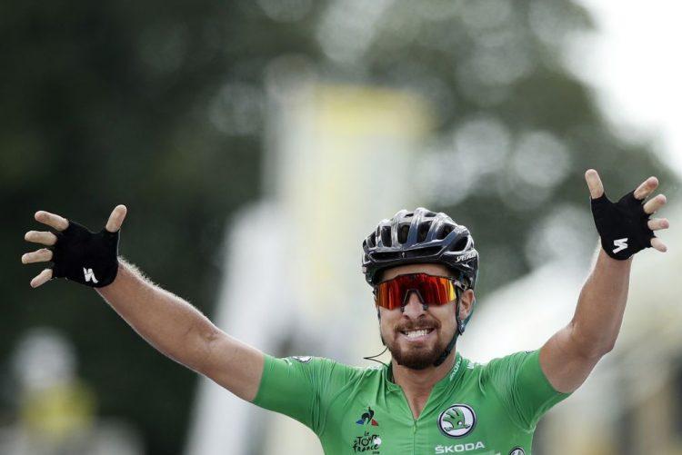 Peter Sagan vence quinta etapa do Tour ao 'sprint', van Avermaet segue líder