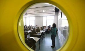 Desceram médias de Português e Matemática nos exames nacionais do secundário