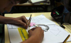 Mais de metade dos alunos do 9º ano obteve nota negativa no exame de matemática