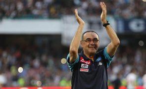 Chelsea contrata Maurizio Sarri como treinador