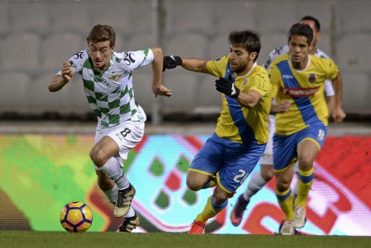 Arouca vence em casa do Moreirense, com três golos de Jorginho