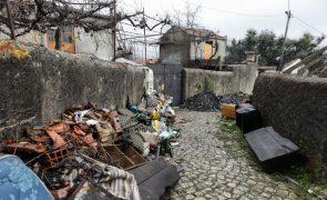 Irregularidades na reconstrução de casas destruidas pelos incêndios motiva queixa ao MP