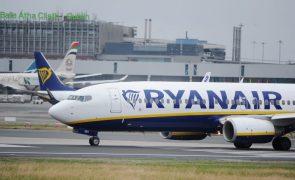 Greve dos tripulantes de cabine da Ryanair pode levar a indemnizações de 30 ME - estudo