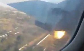 África do Sul: Vídeo amador de sobrevivente mostra como um avião se despenhou