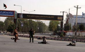 Explosão no regresso de general Dostum ao Afeganistão faz 11 mortos e 14 feridos