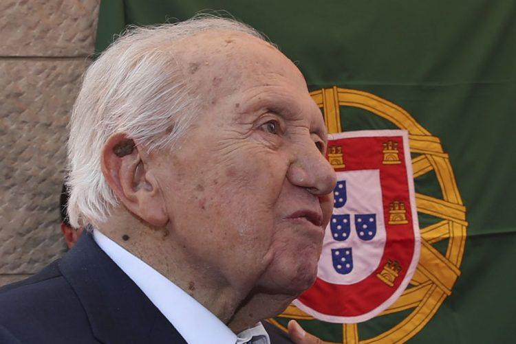 Mário Soares continua a registar