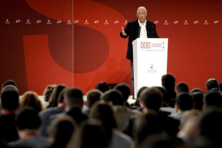 António Costa considera redução do desemprego jovem positiva mas insuficiente