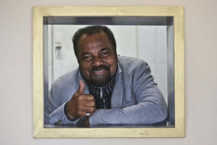 Bonga atua sábado em Braga em vésperas de completar 76 anos