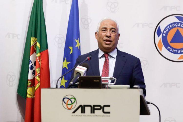 Monchique: Costa avisa que incêndio vai continuar nos próximos dias
