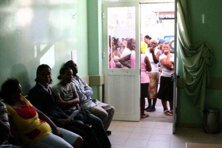Desinfestação na pediatria do maior hospital de Cabo Verde transfere crianças internadas
