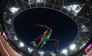 Europeus de atletismo: Nelson Évora volta a voar para a final do triplo salto