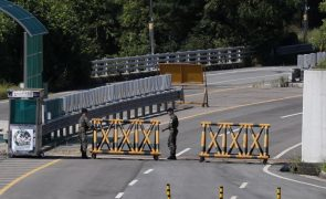 Coreias reúnem-se para prepararem nova cimeira entre os dois líderes