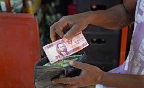 Moeda moçambicana valoriza-se e euro chega a mínimos dos últimos 12 meses