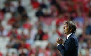 Treinador do Fenerbahçe espera eliminatória com Benfica decidada nos 'detalhes'