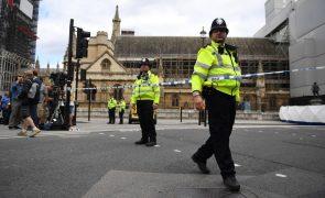 Estação de metro de Westminster reaberta após levantado alerta por causa de ataque