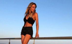 Sensualidade aos 39 anos Oceana Basílio provocante no Algarve