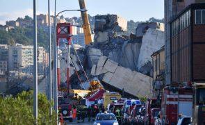 Balanço de mortos na queda da ponte em Génova volta a subir