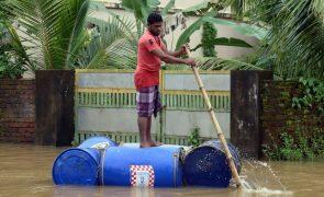 Inundações provocam 67 mortos e 50 mil deslocados no Estado indiano de Kerala