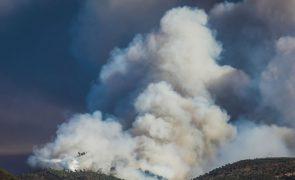 Risco máximo de incêndio no interior, Minho, Douro Litoral e norte do Alentejo