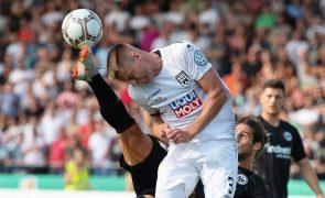 Golo de Gonçalo Paciência não evita eliminação do Frankfurt na Taça da Alemanha