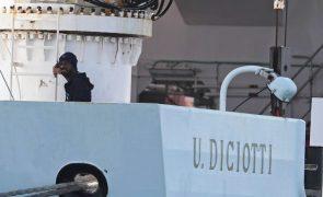 Governo italiano procura solução para os 177 migrantes no navio