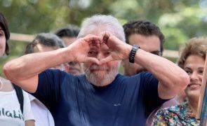 Lula da Silva continua à frente em sondagem para as presidenciais brasileiras