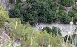Sobe para dez número de mortos em transbordo de rio em Itália