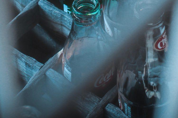 Por que nunca deve deixar uma garrafa dentro do carro