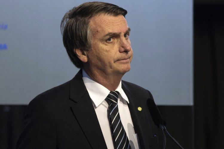 Os negros quilombolas «não fazem nada e são inúteis, nem mesmo procriam», disse Jair Bolsonaro