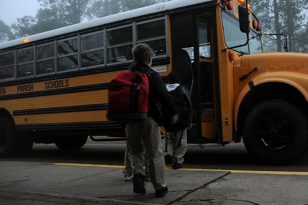 Regresso às aulas: 7 cuidados que deve ter com a coluna do seu filho