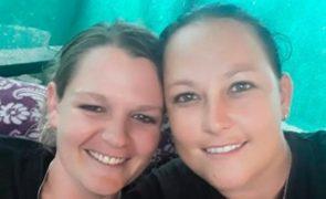 Lésbicas casadas foram raptadas, violadas e queimadas até à morte