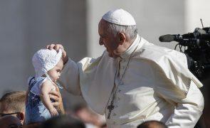 Papa recebe hoje bispos dos EUA para discutir abusos sexuais por membros da Igreja