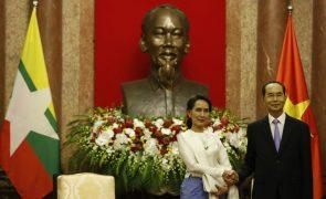 Líder de Myanmar diz que país podia ter lidado melhor com a crise dos rohingya