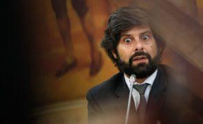 Ricardo Ferreira diz que não há rendas excessivas e critica regulador