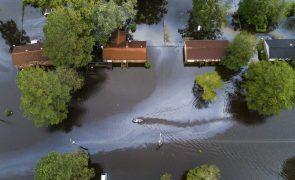 Pelo menos 13 pessoas morreram nos Estados Unidos devido à tempestade Florence