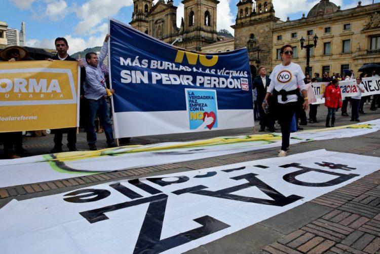 Congresso da Colômbia ratifica novo acordo de paz com as FARC