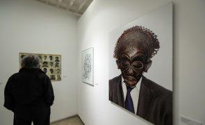 Exposição reúne obras de 54 artistas dos países de língua portuguesa