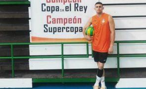Jogador de voleibol foi encontrado morto em casa