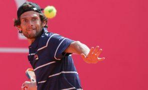Tenista português Pedro Sousa nos oitavos de final do 'challenge' de Sibiu
