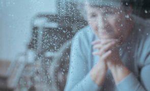 Droga japonesa reduz efeitos do Alzheimer em 30%
