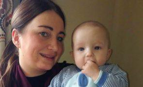 Pais publicam foto de filho morto com Meningite B [imagens impressionáveis]