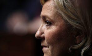 Juiz ordena exame psiquiátrico a Marine Le Pen, que se insurge