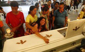 Sobe para 29 número de mortos em deslizamento de terras nas Filipinas