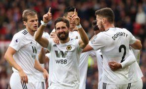 Golo de Moutinho 'empata' Manchester United, de Mourinho, em Old Trafford
