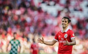 Jonas de regresso aos convocados do Benfica, tal como Varela e Samaris