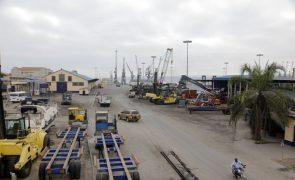 Porto angolano do Lobito recebe segundo carregamento de minério em seis meses