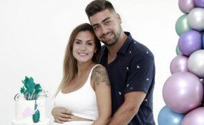 Pais babados Liliana e Daniel já levaram Ariel para casa