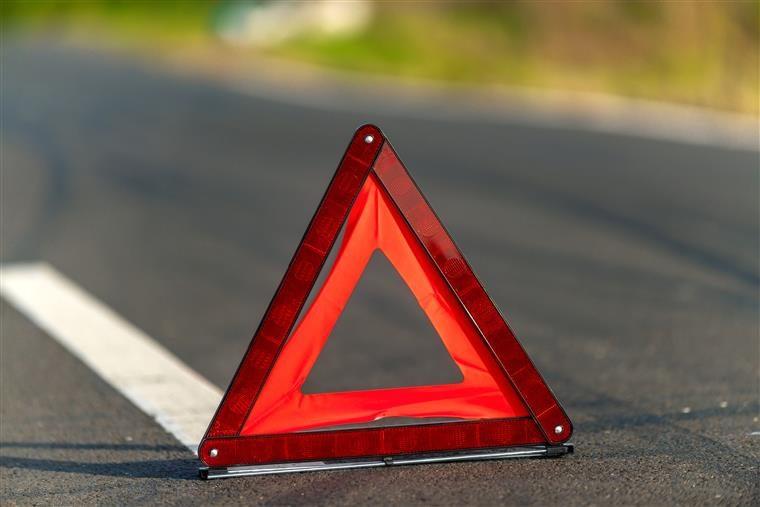 Colisão entre quatro carros faz seis feridos no IC2