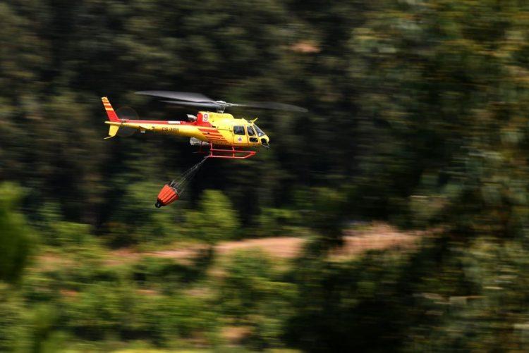 Seis meios aéreos e 70 operacionais combatem mais um fogo em Cabril
